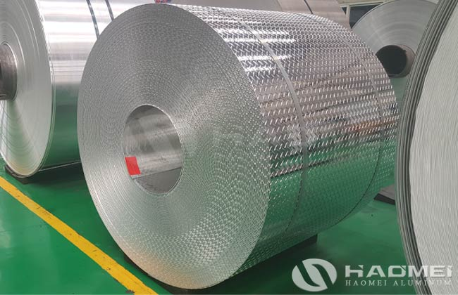 bobina de aluminio antiderrapante