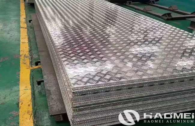 chapa antideslizante de aluminio